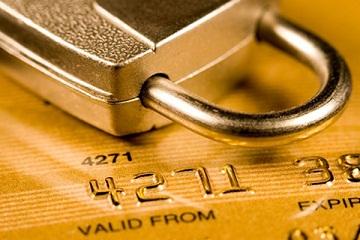 Иллюстрация к новости: чиновникам запретят открывать счета в иностранных банках