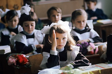 Введение единой школьной формы в России — иллюстрация к новости