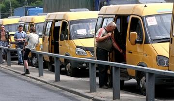 Иллюстрация к новости: иностранцам запретят работать водителями