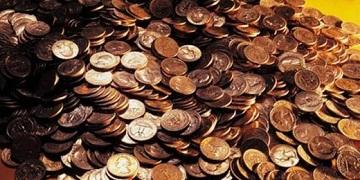 Иллюстрация к новости: в Удмуртии должник принес приставам 1,5 кг монет