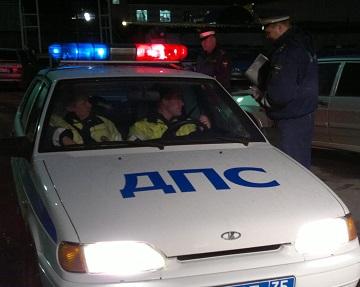 Иллюстрация к новости: у полицейских проверят права