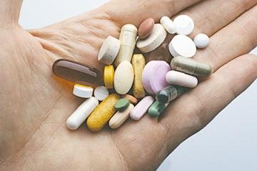 Иллюстрация к новости: БАДы запретят рекламировать как лекарство