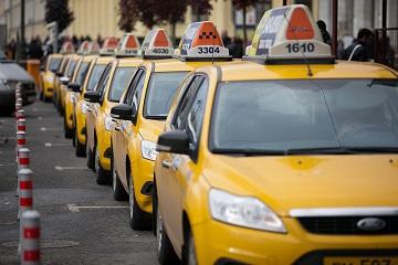 Такси перекрасят в желтый цвет — иллюстрация к новости